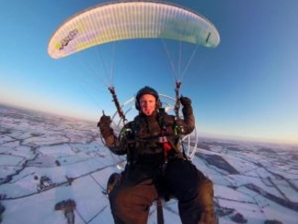 Paraglider Achieves Guinness World Record