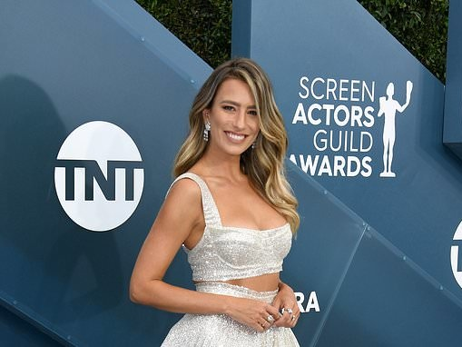 Renee Bargh turns heads at the SAG awards in Los Angeles