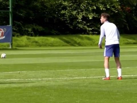 Cesc Fabregas sends message to Chelsea FC boss Maurizio Sarri
