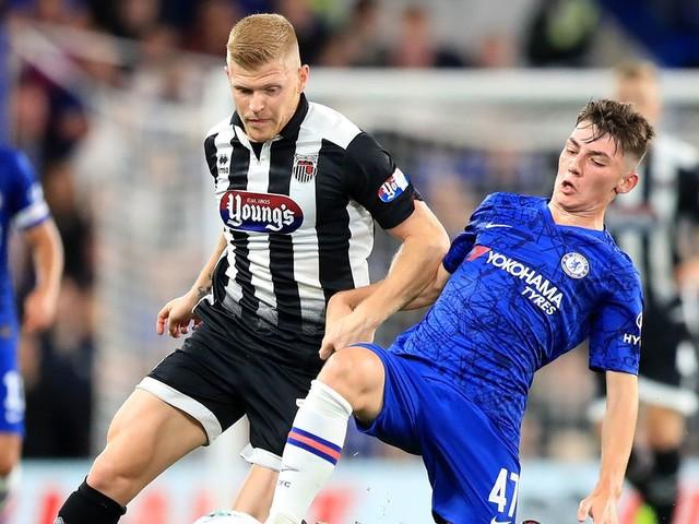 Nottingham Forest 'eyeing up' Chelsea midfielder as Reds ace praises Sabri Lamouchi