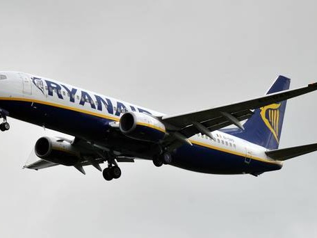 Ryanair must rebuild name after cancellations row, says Transport Secretary