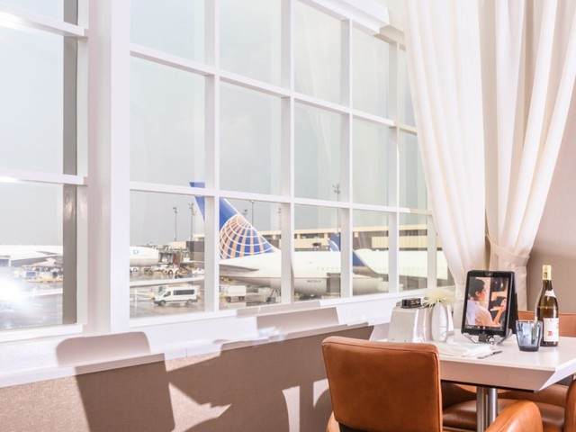 We ate lunch at United Airlines' secret invitation-only restaurant and it takes airport food to a whole new level