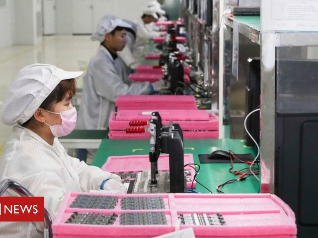 Covid-19: China's economy grows in fourth quarter, bucking global trend