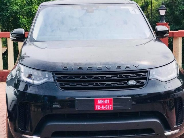 2017 Land Rover Discovery seen in different colours in India
