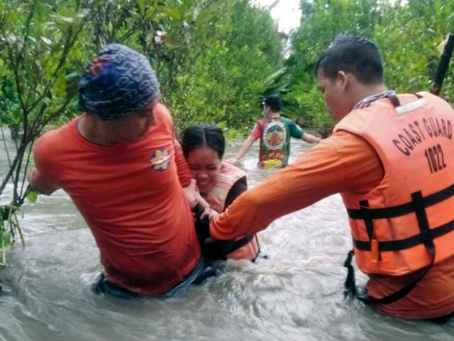 Thousands evacuated after monsoon rains flood Philippines villages