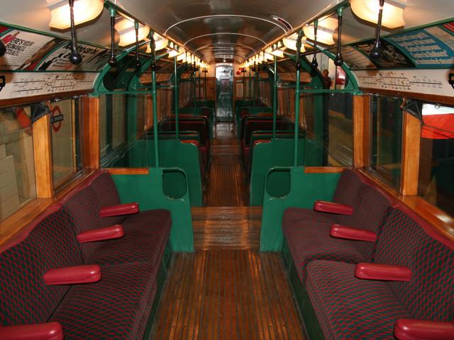Tickets Alert: Trip in an art deco tube train through central London