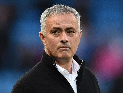 Manchester United set to snub Gary Neville's Hotel Football