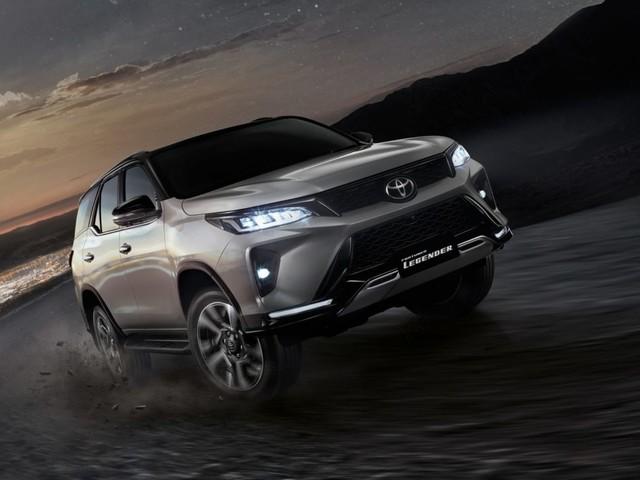 Toyota Fortuner Legender To Get 4×4 Variant, Spare Wheel To Get Steel Wheel