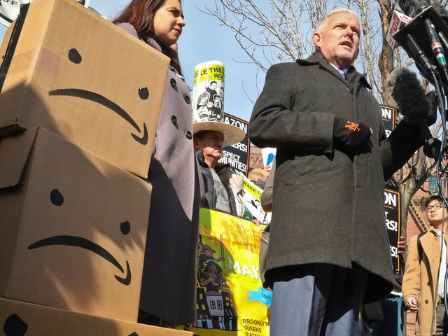 Amazon will survive the HQ2 fiasco. Its bigger problem is winning over reluctant advertisers
