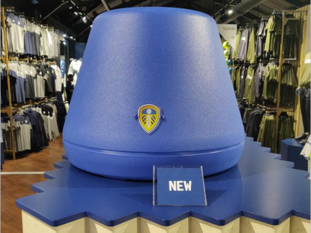 Pies' Christmas Football Gift Guide 2018: How Much Would You Pay For An Official Leeds United Replica Marcelo Bielsa Bucket?