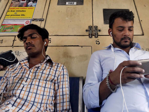 Binge-watching catching on in non-metros; women viewers beat men in cricket viewership