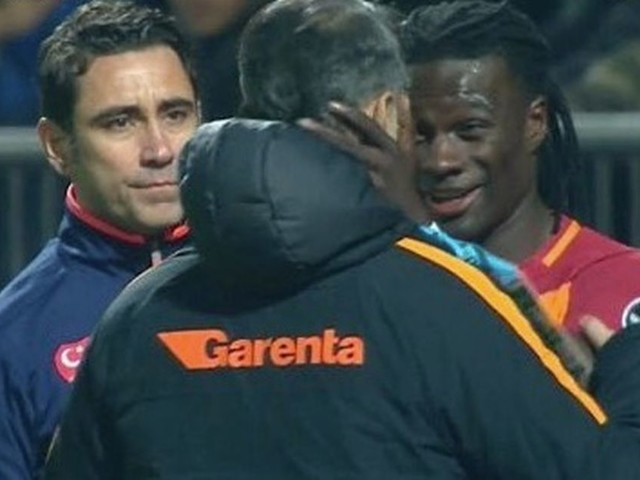 Former Swansea striker Bafetimbi Gomis collapses during Galatasaray match - but carries on to play full 90 minutes
