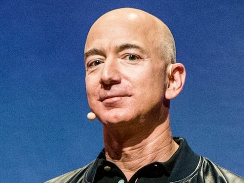 Amazon generated $30 billion in cash last year, and it could be just the ammunition the company needs to start a price war (AMZN, WMT)