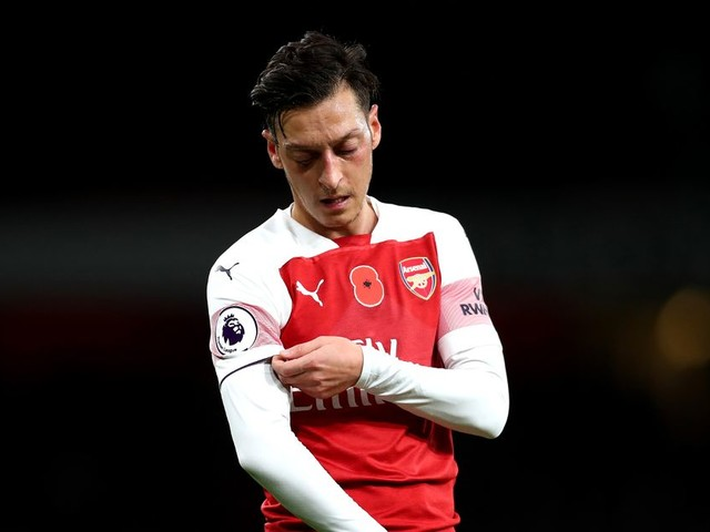 Mesut Ozil's agent 'to fly to Italy to hold talks' over £25m Inter Milan switch