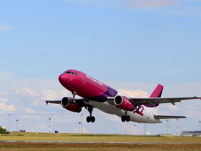 Wizz Air changes cabin bag policy and it's almost identical to Ryanair's new rules