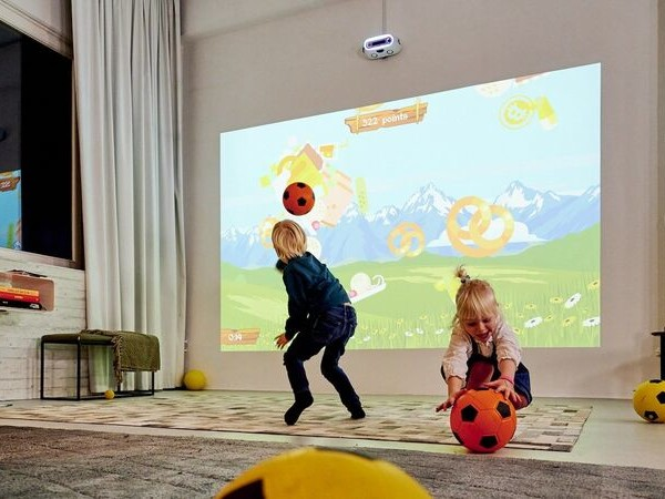 Interactive Fitness Gaming Systems - The 'LIMBIC' Physical Gaming Console Gets Players Moving (TrendHunter.com)