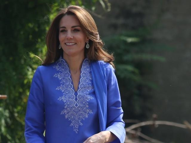 Kate Middleton wears classic blue kurta for school visit on Pakistan tour