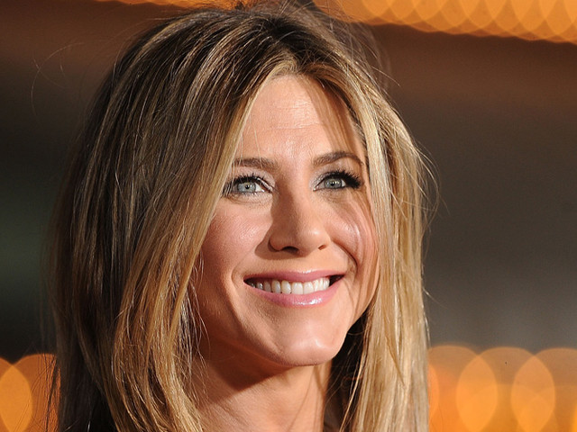 Jennifer Aniston Loves To Talk About 'The Bachelor' When She Gets Her Hair Done