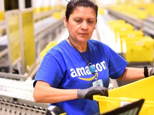 Amazon prioritized finding 'wicked smart' college grads for management roles over promoting hourly workers within the ranks, according to a new report (AMZN, WMT)