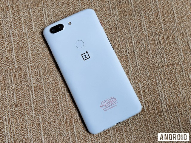 This is the OnePlus 5T Star Wars Edition