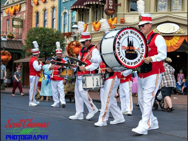 Disney Pic of the Week: Main Street USA Entertainment