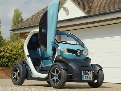 2021 Renault Twizy Tiny EV Will Give You Cold Ears, Wet Hands If It Rains