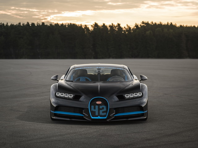 Bugatti Used A Second Chiron To Film The Record Speed Run Of 0-400-0 kmph in 41.96 Seconds
