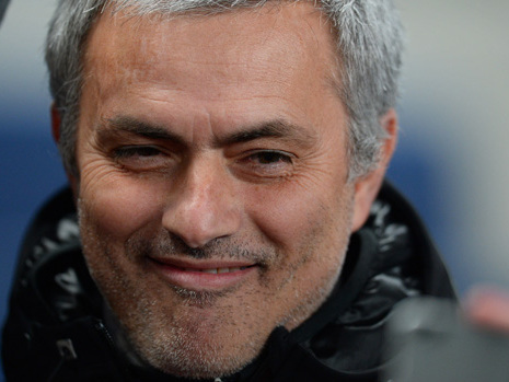 Jose Mourinho to extend stay at Manchester's Lowry Hotel