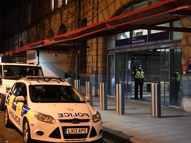 Manchester Stabbing: Counter-Terrorism Police Investigating After Three People Injured At Victoria Station