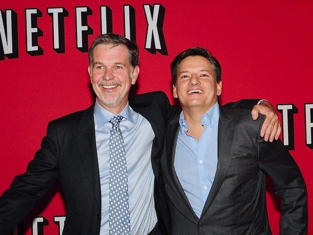Netflix apparently wants to break into the video game business. Experts say that's a bad idea. (NFLX)