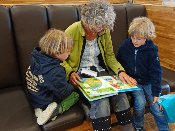How to help kids deal with social distancing