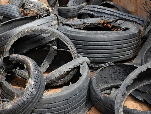 30 lives a year could be saved by checking the condition of tyres