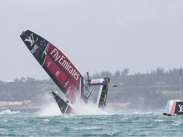 New Zealand suffer spectacular America's Cup capsize - video