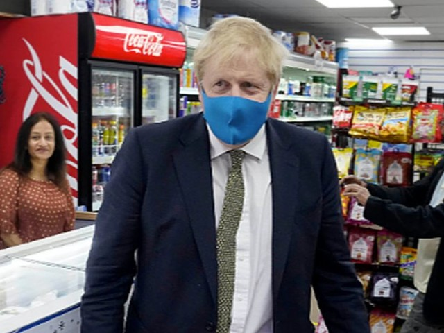 Boris Johnson to make face masks compulsory in shops and 'confined spaces'