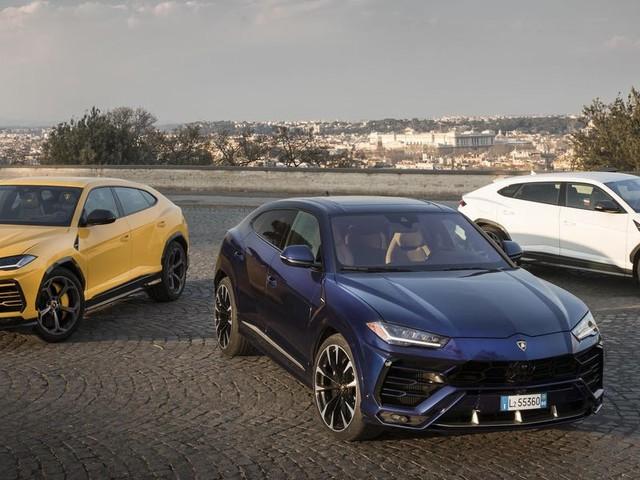 People spent more than $1 billion on Lamborghini Urus SUVs last year as ultra-luxury car brands cash in on the SUV trend