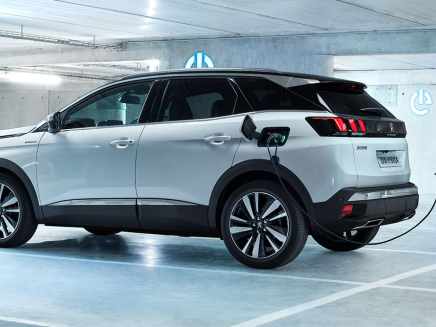 Peugeot presents its plug-in hybrid gasoline systems for 3008 and 508