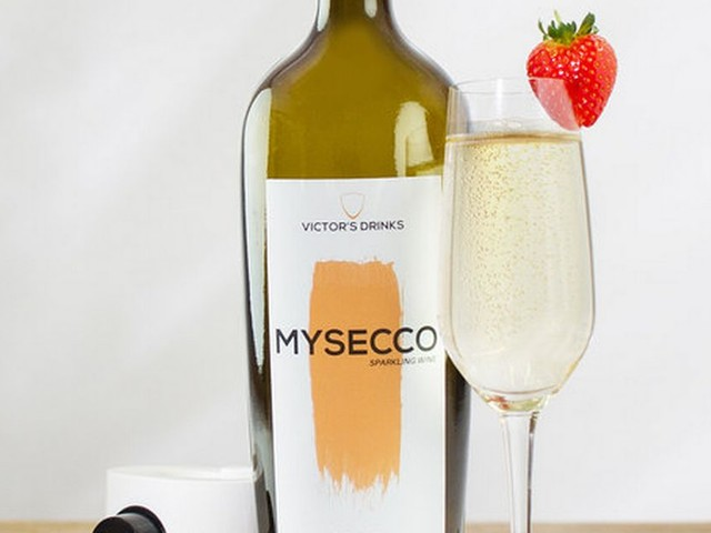 This homemade Prosecco kit lets you turn water into wine basically