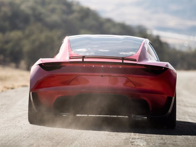 Elon Musk hints that upgraded Roadster could be able to 'fly short hops' (TSLA)