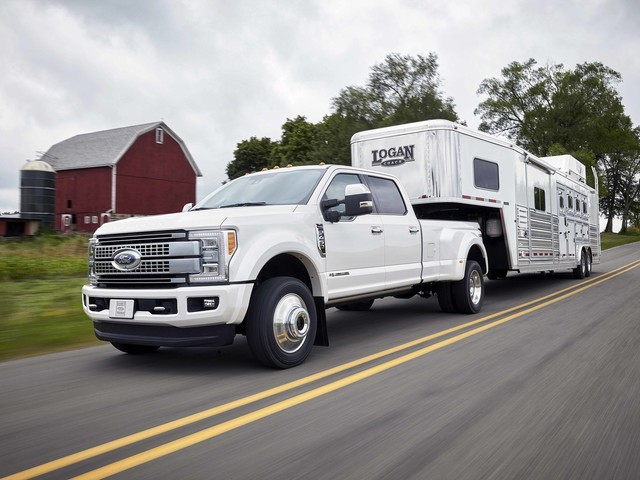 Consumers Union Wants Heavy-duty Truck Buyers to Know Their Vehicle's Fuel Economy