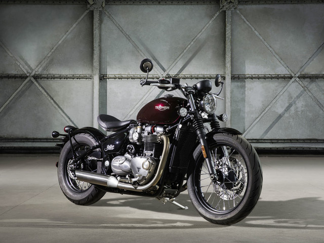 VIDEO: Triumph Bonneville Bobber Teased, India Launch Soon