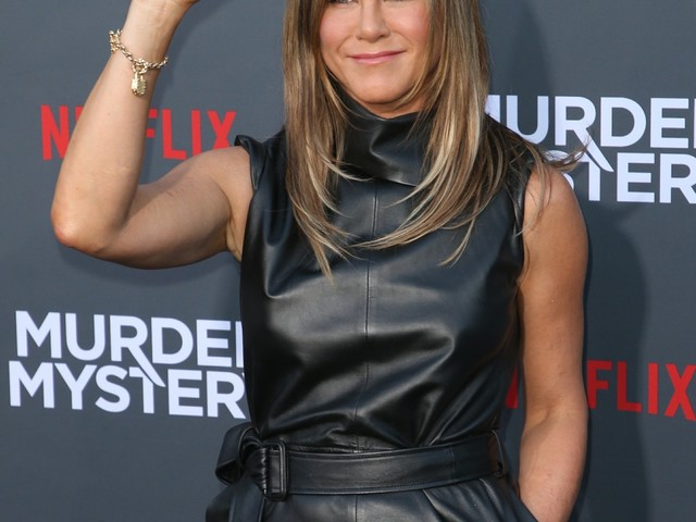 Jennifer Aniston's colorist: Jen is 'a style icon because she doesn't go trendy'
