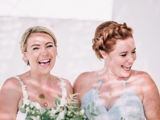 19 Gorgeous Photos Of Brides With Their Siblings On The Big Day