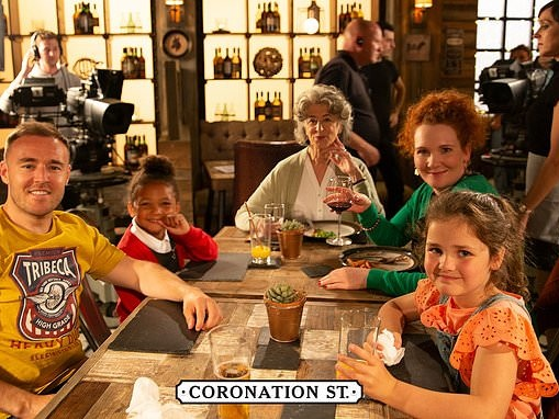 Coronation Street fans go wild as Jennie McAlpine is seen back on set for the first time
