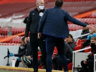 Lampard says Liverpool staff broke touchline code