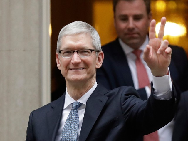 MIZUHO: Apple investors should pay attention to just 2 things in 2018 (AAPL)