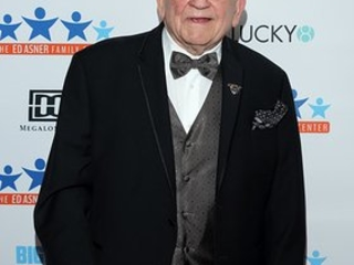 Ed Asner Celebrates 89th Birthday With Sold Out Benefit for Families Affected by Autism and Special Needs