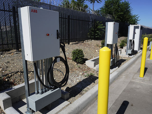 Volvo LIGHTS team helps facilitate authorization for public MDHD EV charging stations in California