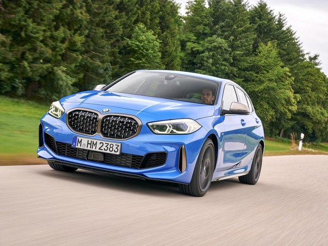 Video: BMW M135i xDrive Review focuses on tech