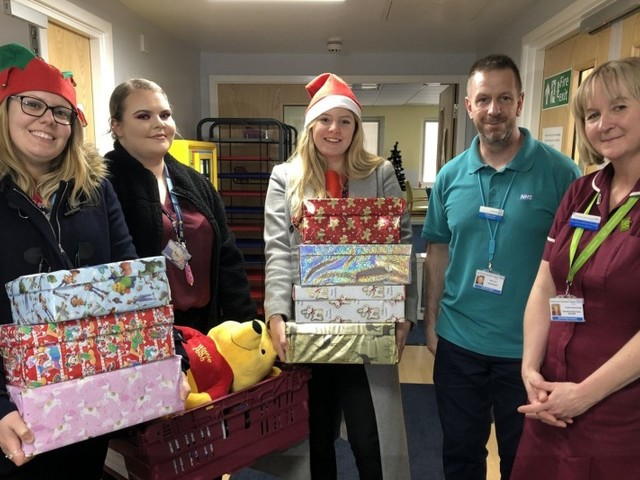 Airport volunteers lend a helping hand in the local community this Christmas