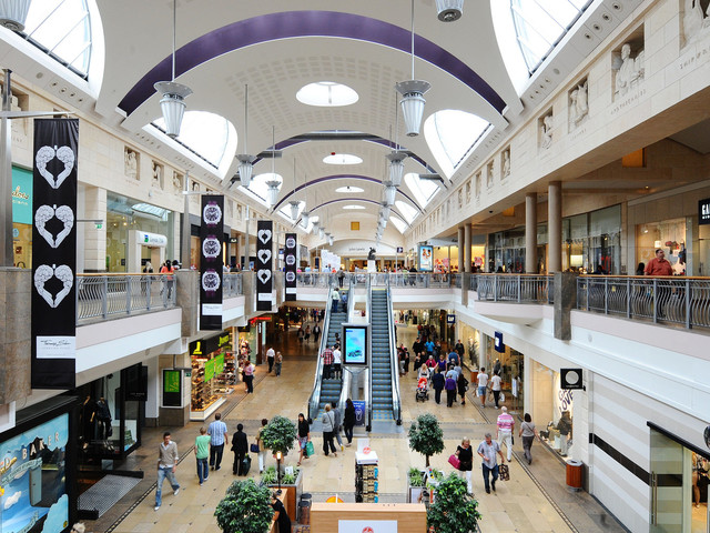 Bluewater Evacuation: Person Injured During Chaos As Police Urge Against 'Panic'